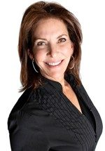 Rhonda-Smith_Innovative-Aesthetics-Spa-Laser-Center-Cedar-Rapids